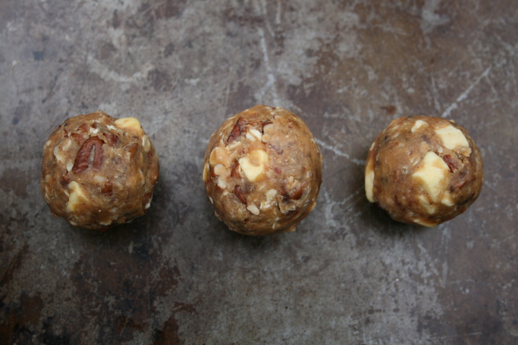 Spiced Apple Energy Balls
