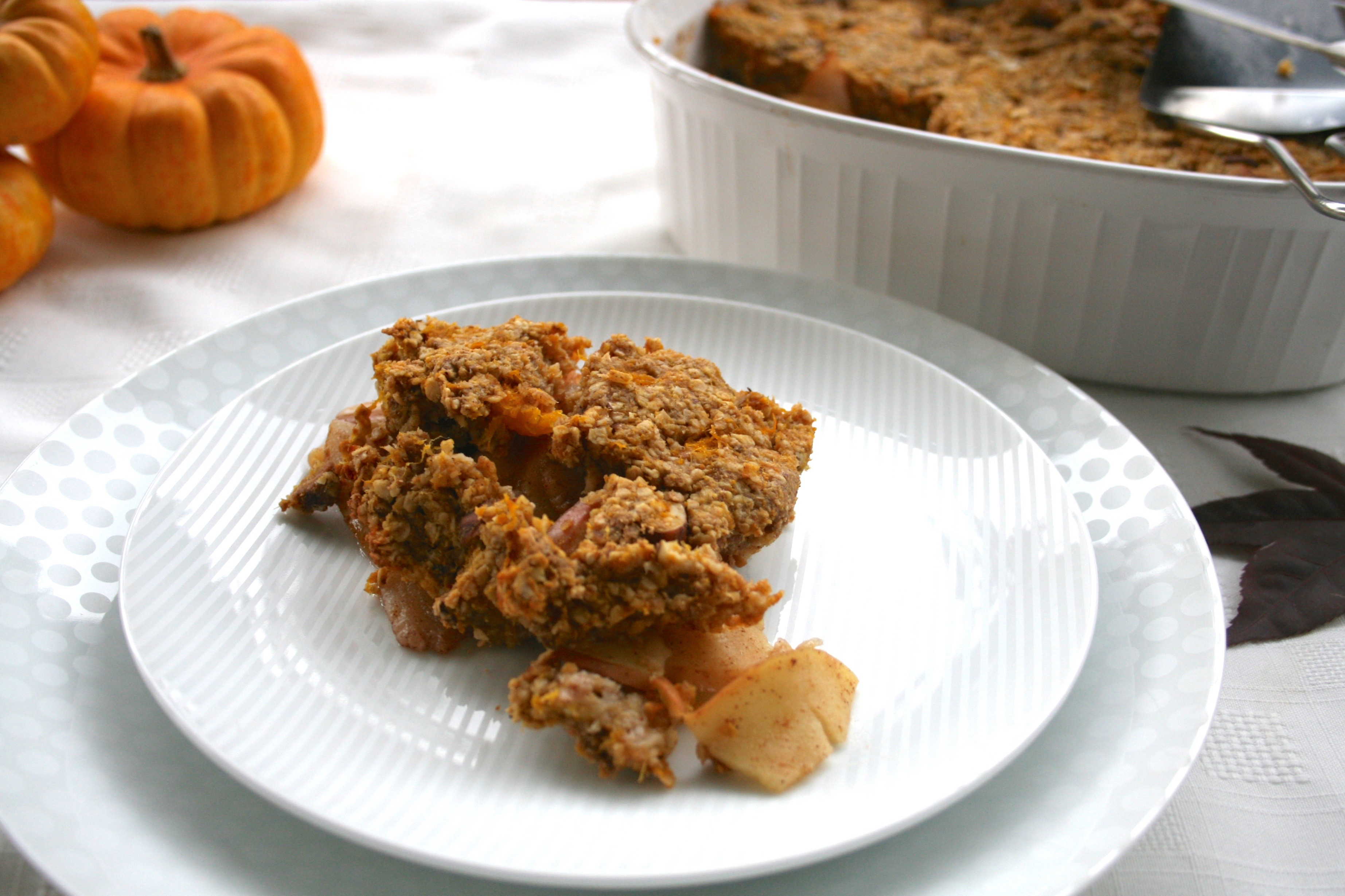 Apple Pear Crisp with Pumpkin Hazelnut Maple Topping - Love from the ...