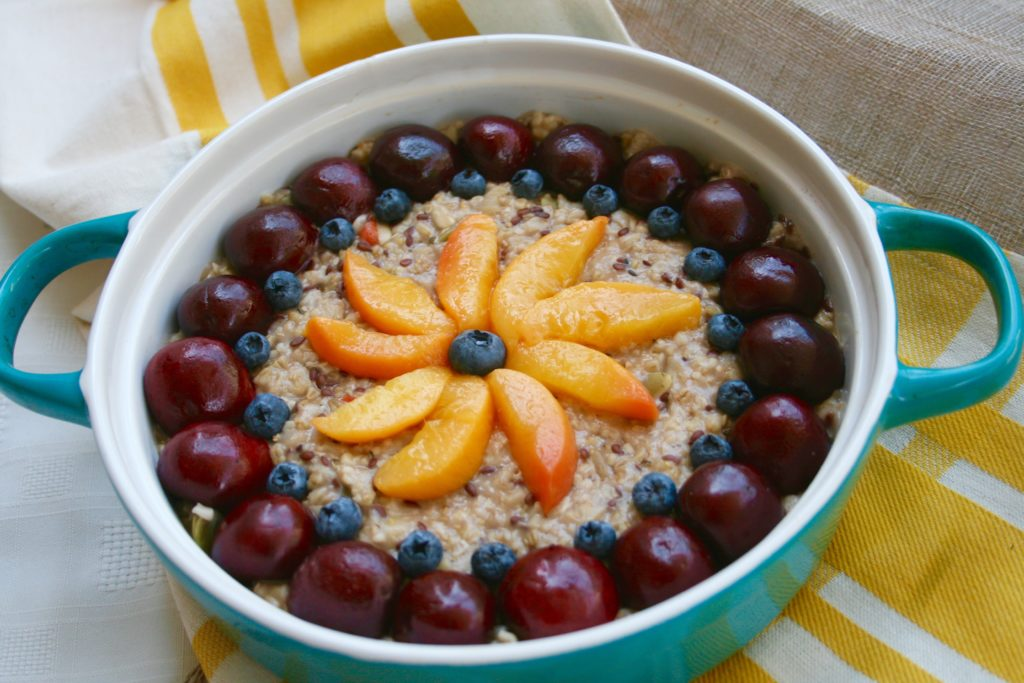 Baked Oatmeal with Fresh Fruit